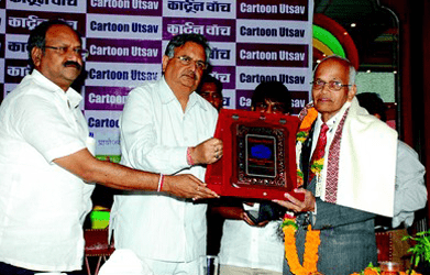 2009 - Suresh Sawant - presented by Dr Raman Singh, Chief Minister, Chhattisgarh